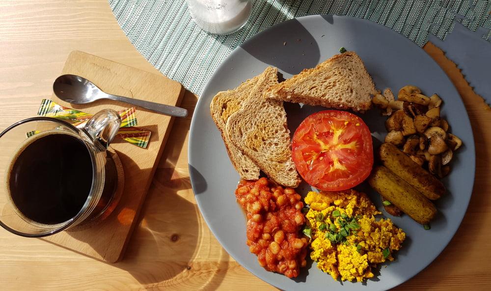 vegan vs vegetarian breakfast